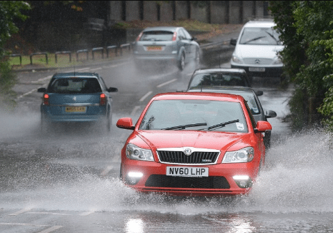 Tips to Prepare in the Rain to Reduce the Driving Risks